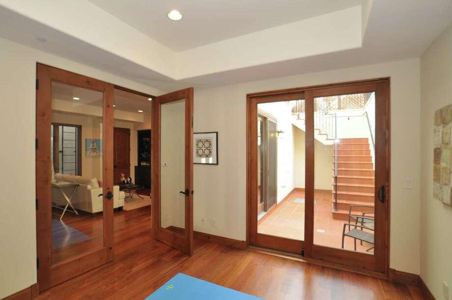 Palo Alto basement designed by architect Roger Kohler. (Roger Kohler) / ONLINE_YES