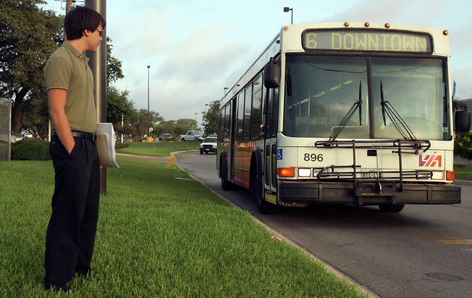 VIA Metropolitan Transit is doing the best it can with limited resources. Photo: JOHN DAVENPORT /SAN ANTONIO EXPRESS-NEWS / jdavenport@express-news.net