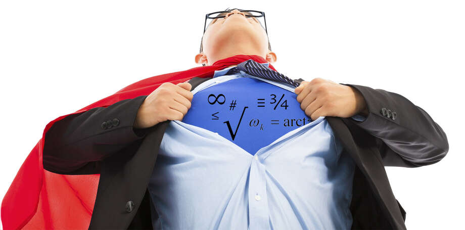Businessman imitate superman to pull his t-shirt open Photo: Tomwang112 / iStockphoto