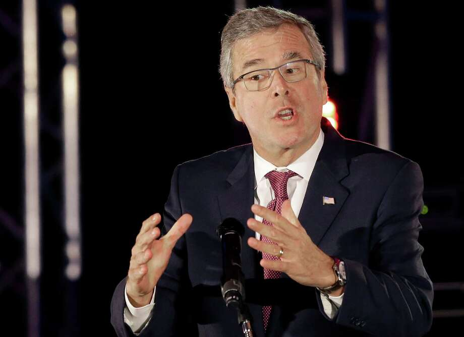 Presidential candidate Jeb Bush can speak to audiences in both English and Spanish. Donald Trump has criticized Bush,  insisting he should speak English in the United States. Photo: Pat Sullivan /Associated Press / AP