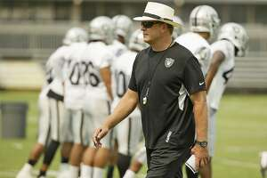 Lively atmosphere as Raiders' training camp opens in Napa - Photo