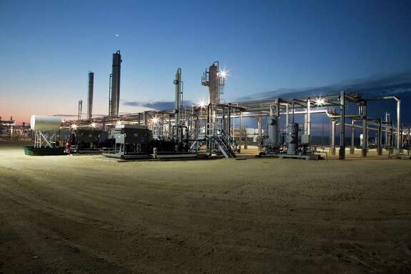 Howard Energy Partners has a liquids stabilizer site near Three Rivers. It seeks a pipeline from Webb County to Escobedo, Mexico.