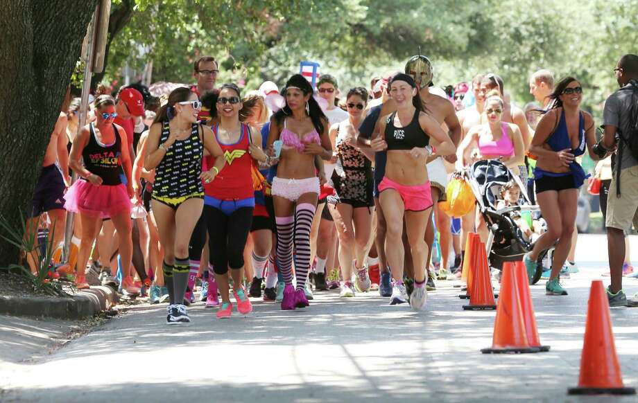 Click to see Houston's Anti-Valentine's Day eventsCupid's Undies RunDate: Saturday, February 11 from 12-4 pmLocation: Dogwood Houston, 2403 Bagby St. 77006Details: Registration and volunteer information, visit CupidsUndieRun.org. All donations are given to the Children's Tumor Foundation. Photo: Jon Shapley, Houston Chronicle / © 2015 Houston Chronicle