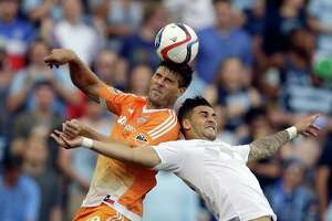 Clark's late goal gives Dynamo draw at Sporting KC - Photo