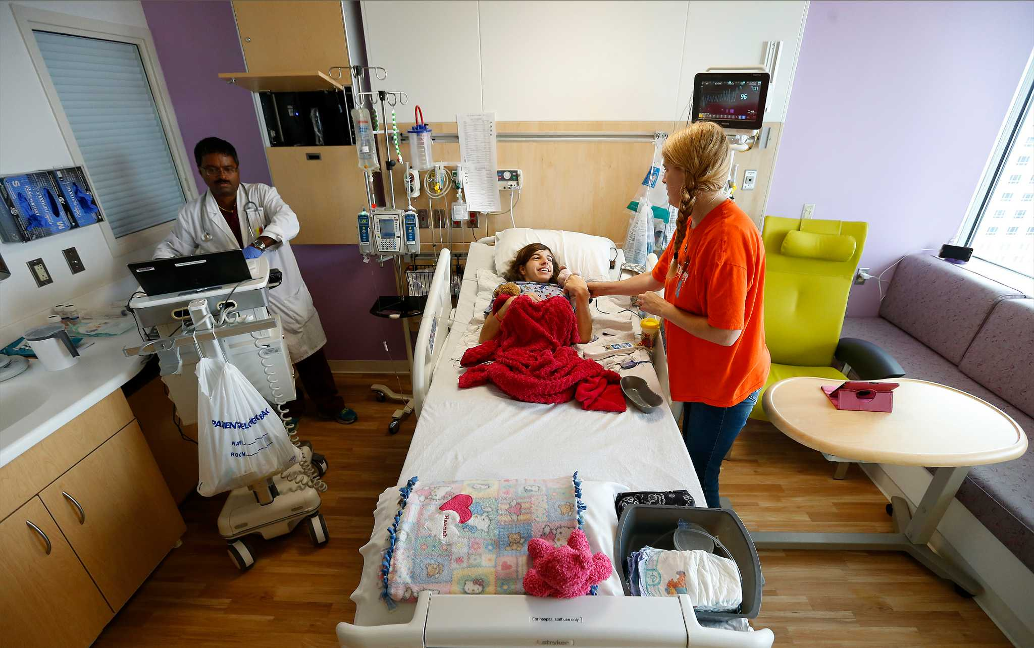 Children s hospital long has cared for s a kids san for Rooms to go kids san antonio