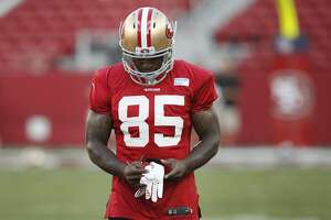 Vernon Davis ready to be one of top answers on field - Photo