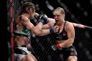 Rousey crushes Correia with a brutal first-round KO - Photo