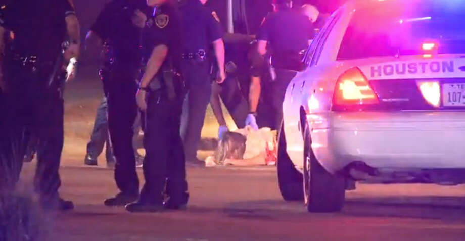 A motorist driving recklessly on the highway is dead after being chased and shot by Houston police officers early Sunday morning. Photo: Metro Video