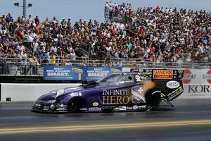 Funny Car's Jack Beckman leads sweep by top seeds at Sonoma Nationals - Photo