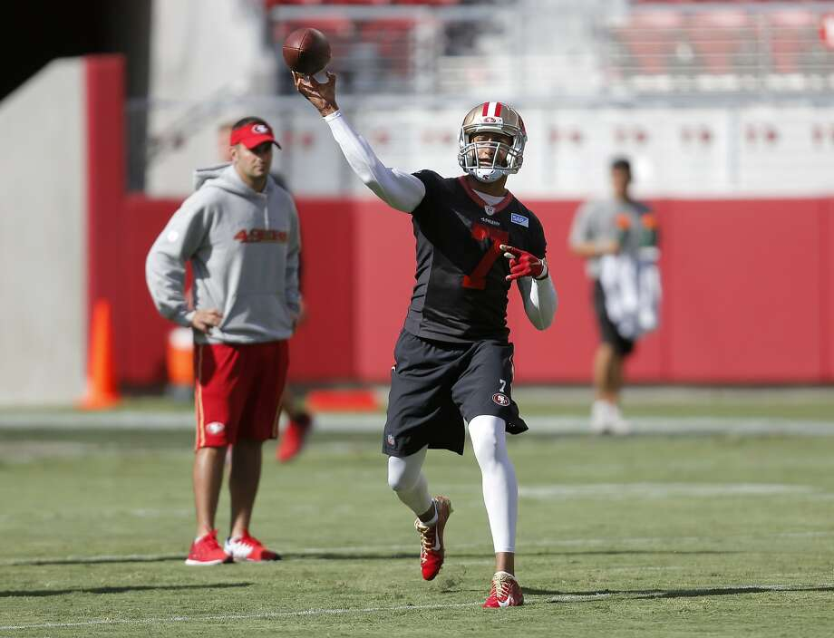 Quarterback Colin Kaepernick throws a ball at 49ers practice in Levi's Stadium in Santa Clara, California, on Sunday, Aug. 2, 2015. Photo: Connor Radnovich, The Chronicle