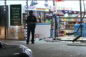 Back to back robberies lead to investigation in SW Houston - Photo