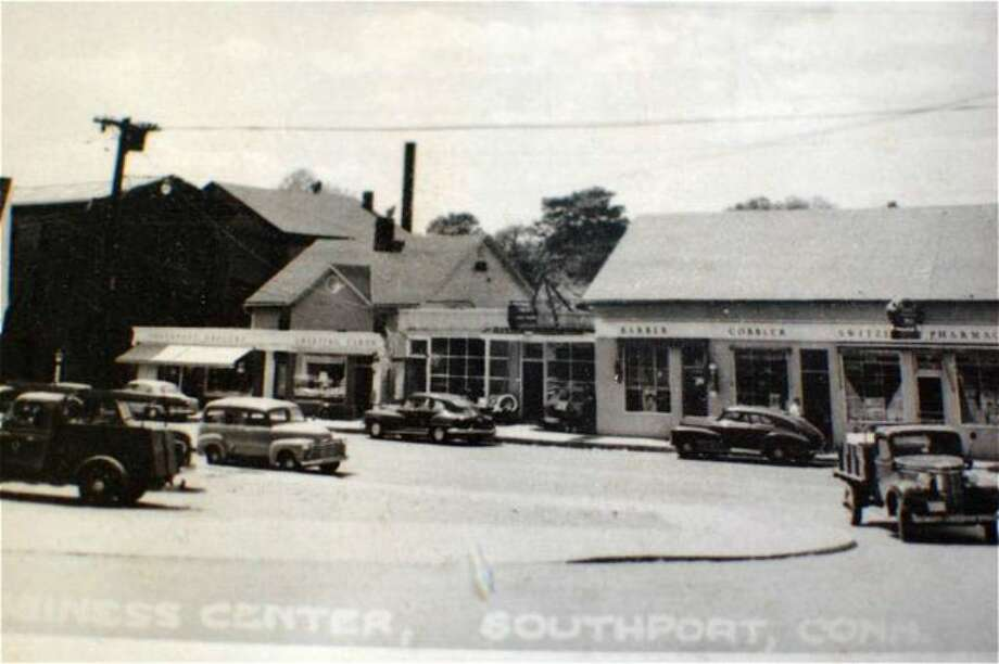Spic & Span market has been serving Southporters since 1928. Photo: Jim Downey, Contributed Photo / Fairfield Citizen