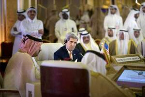 Gulf states express cautious support of Iran nuclear deal - Photo