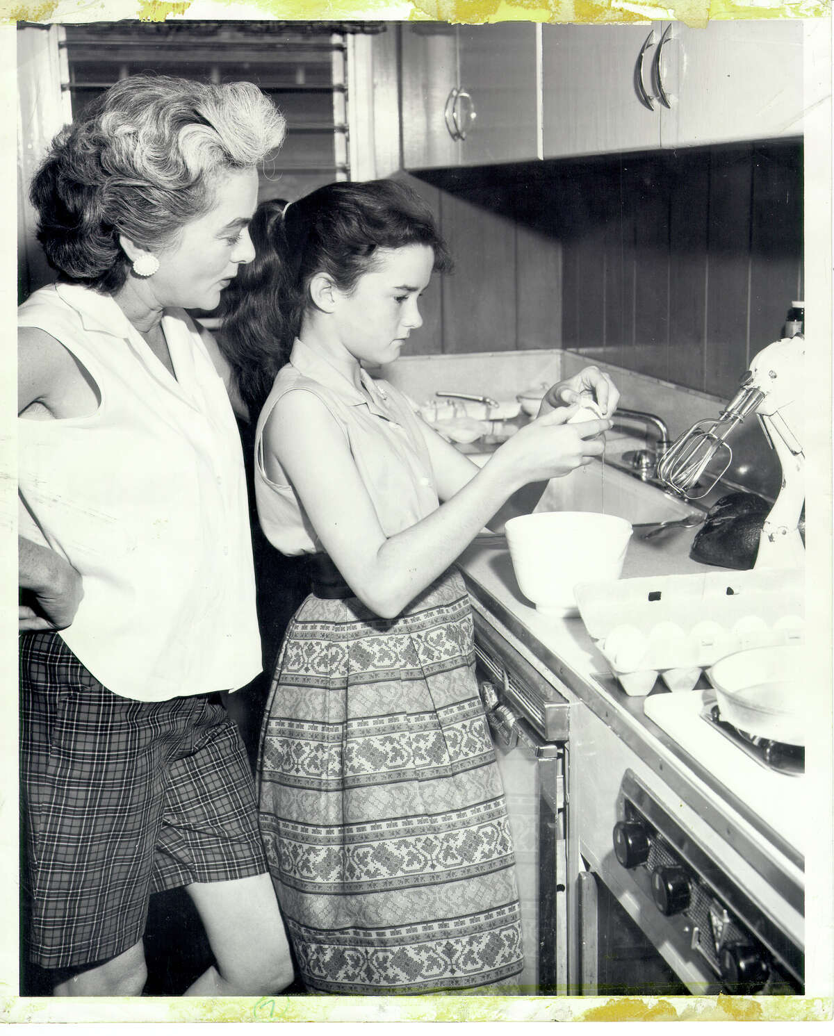 Growing up in Hawaii during the late 1950 and early 60s, Heloise learned to cook with her mother's supervision.