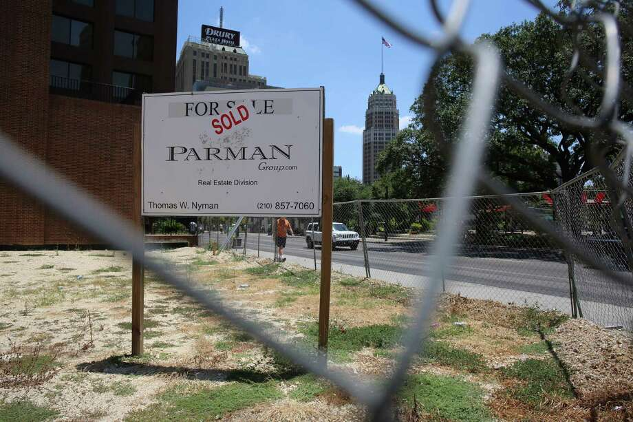 Broker Thomas Nyman of Parman Group said the deal closed for more than the asking price of $1.6 million. Photo: Benjamin Olivo /Express-News