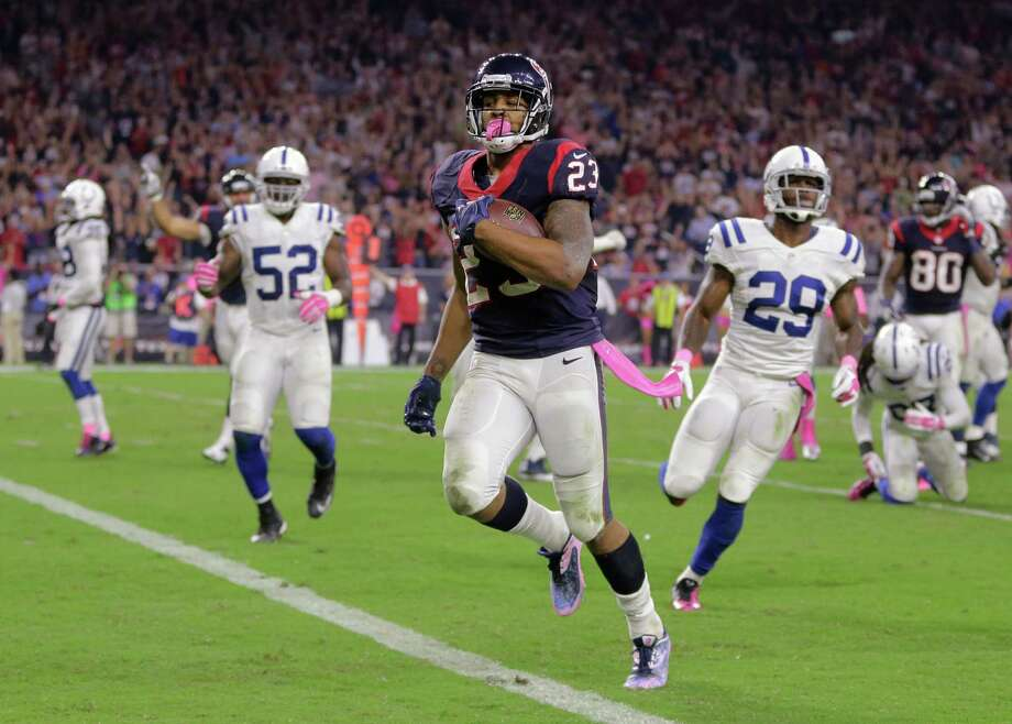 FILE - In this Oct. 9, 2014, file photo, Houston Texans' Arian Foster (23) runs for a touchdown against the Indianapolis Colts during the second quarter of an NFL football game in Houston. (AP Photo/Patric Schneider, File) Photo: Patric Schneider, FRE / Associated Press / FR170473 AP