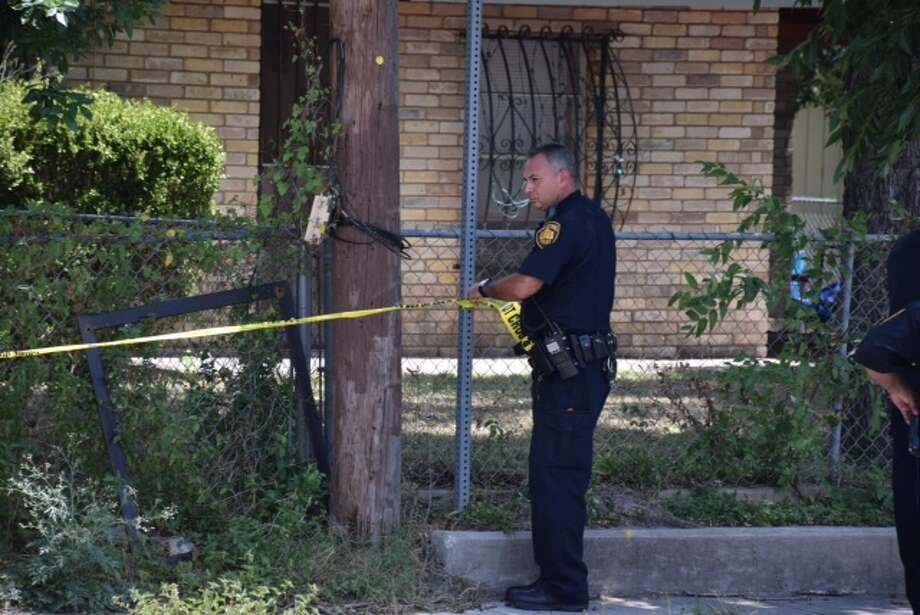 Police were called out to a home in the 3000 block of Golden Avenue around 12:15 p.m. Aug. 4 after receiving report that a man had been shot, according to San Antonio Police Department Sgt. Bobby Bradley. Photo: Mark D. Wilson/SAEN