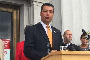 Voting rights intact for lower-level California felons - Photo