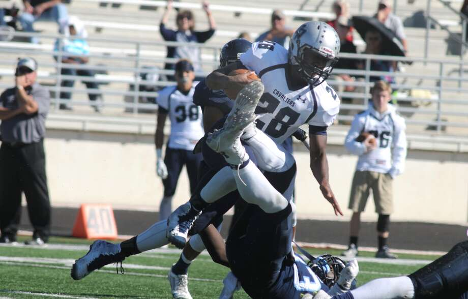 College Park junior running back A.J. Sanders and the Cavs play Atascocita Saturday. Photo: Jerry Baker, Freelance