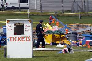 Officials probe New Hampshire circus tent collapse that killed 2 - Photo