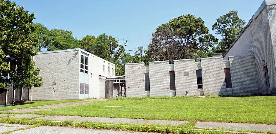 Giant Steps, a school for children on the autism spectrum, wants to open a facility for adults in a former school building on their Barberry Road property. Photo: Genevieve Reilly / Fairfield Citizen / Fairfield Citizen