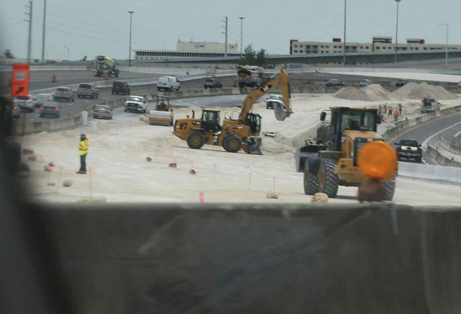 Congress passed a three-month extension for highway funding last week, but a long-term bill that addresses revenue needs of the nation's infrastructure remains pending. Photo: Joe Raedle /Getty Images / 2015 Getty Images