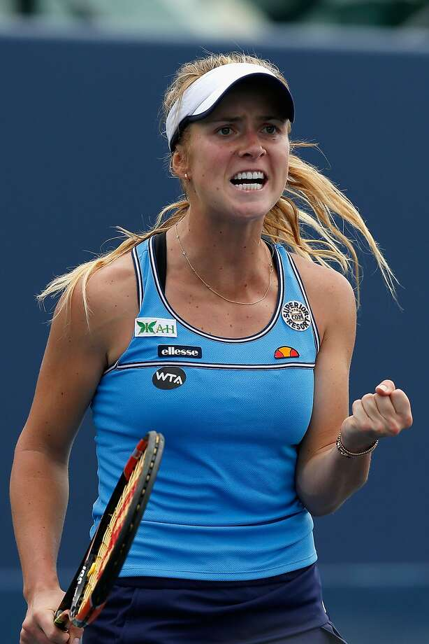 Elina Svitolina celebrates winning a point against fellow Ukrainian Kateryna Bondarenko during Day 2 at Stanford. Photo: Lachlan Cunningham, Getty Images