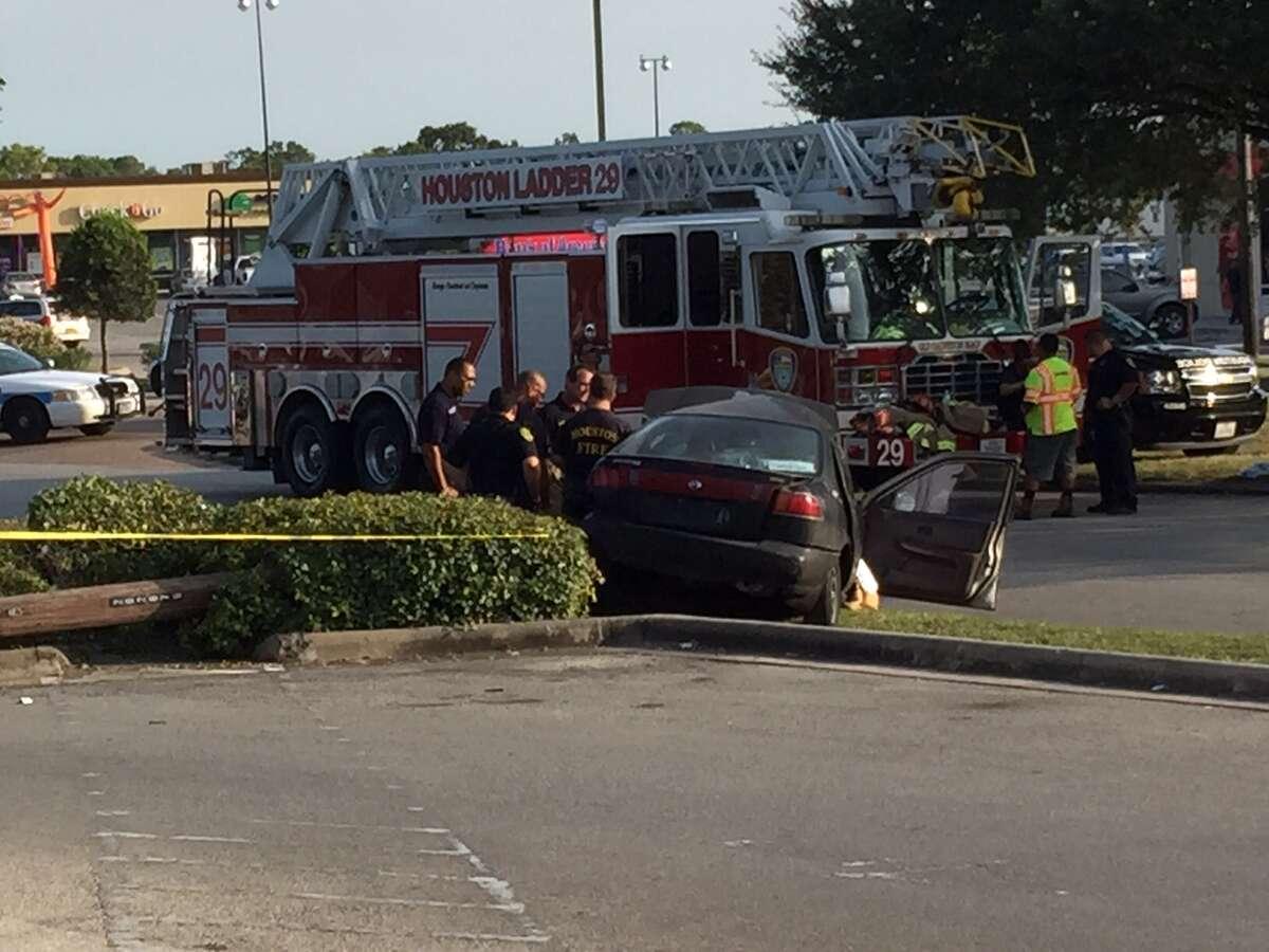 Driver Killed After Car Slams Into Pole In Santa Fe
