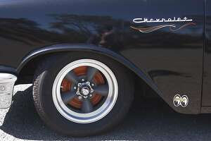 Restored Chevy with Giants' colors - Photo