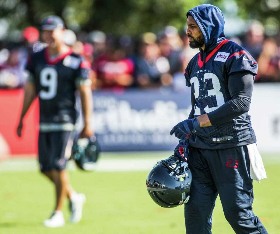 Houston Texans running back Arian Foster (23) walks onto the practice field during Texans training camp at the Methodist Training Center Saturday, Aug. 1, 2015, in Houston.  ( Brett Coomer / Houston Chronicle ) Photo: Brett Coomer, Staff / © 2015 Houston Chronicle