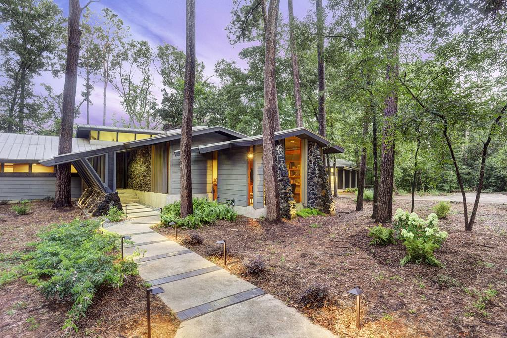 Texas Midcentury Modern Houses Showcase Bold Design