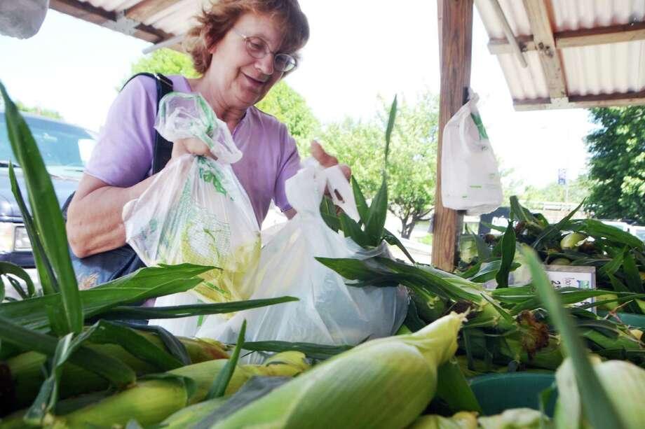 Seymour Farmers' Market Photo: Bailey Wright / For Hearst Connecticut Media / Connecticut Post Freelance