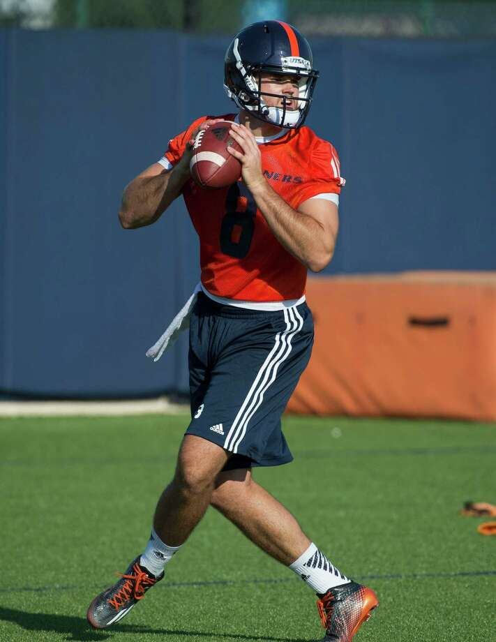 UTSA quarterback Russell Bellomy looks to pass during football practice, Monday, Aug. 3, 2015, at UTSA in San Antonio. (Darren Abate/For the Express-News) Photo: Darren Abate, Darren Abate/Express-News / San Antonio Express-News