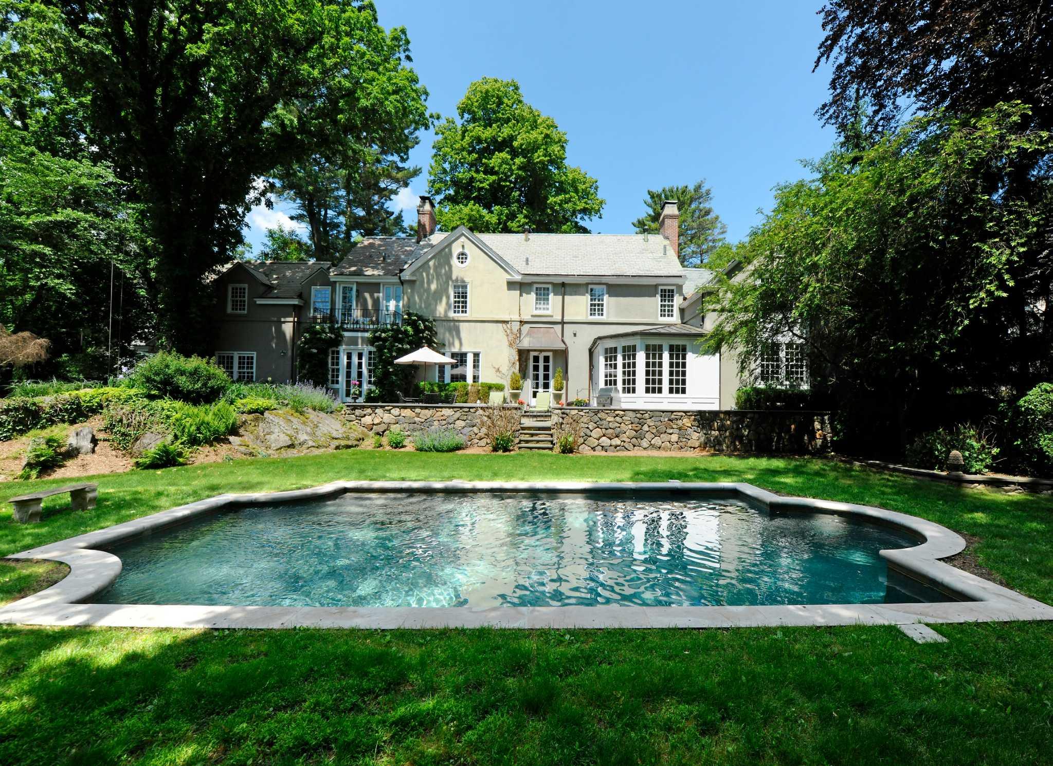 Celebrity Homes - mansionglobal.com