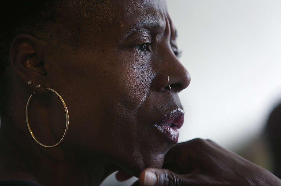 Rochelle Larry says she and her family want to know why Alvin Haynes died battered and bruised after a struggle with deputies at a San Francisco county jail in January. Photo: Liz Hafalia / Liz Hafalia / The Chronicle / ONLINE_YES