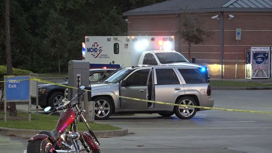 Two people are dead in an apparent murder-suicide in The Woodlands. The estranged couple apparently met at a gas station to discuss a child custody issue when the man pulled a gun on the woman and fatally shot her before killing himself. The couple's children was present during the shooting. (photo courtesy Montgomery County Police Reporter) Photo: Montgomery County Police Reporter