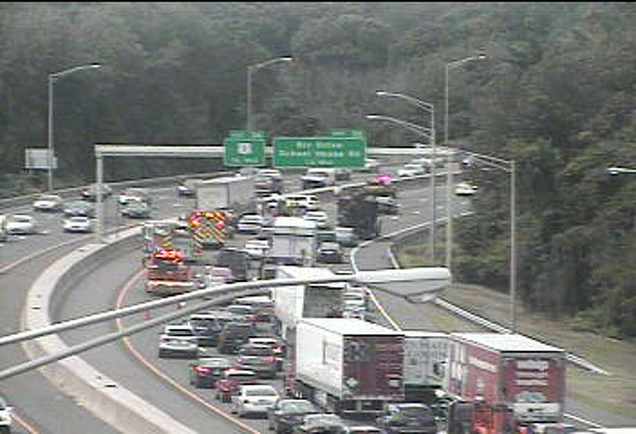 Southbound traffic on I-95 is backed up following an accident near Exit 36 in Milford. Photo: Connecticut DOT