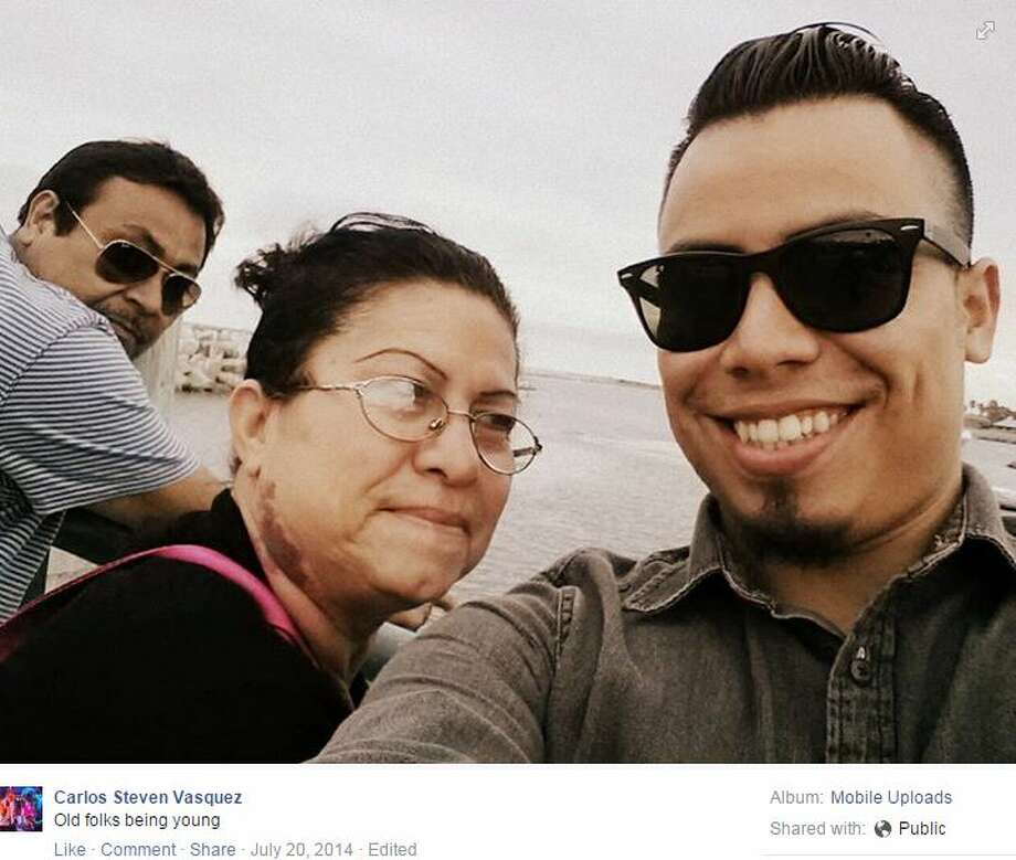 Carlos Vasquez came to his mother's defense when an elderly white woman interrupted his family's conversation to berate her about speaking Spanish. Photo: Mendoza, Madalyn S, Facebook.com/Carlos Steven Vasquez