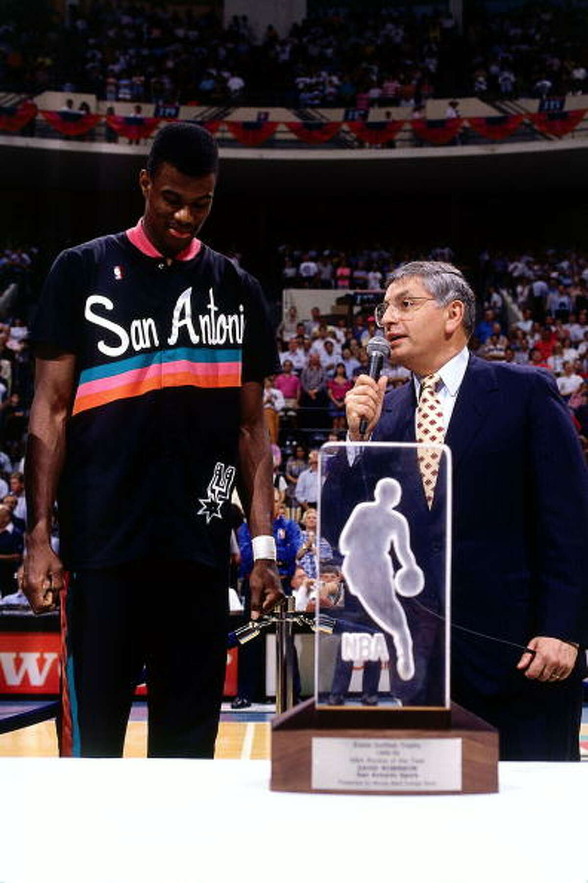 2. When he rocked his rookie year We had our first taste of the greatness that would roll on for years in 1989, Robinson's rookie year. He averaged 24.3 points and 12 rebounds a game, earning him the Rookie of the Year title.