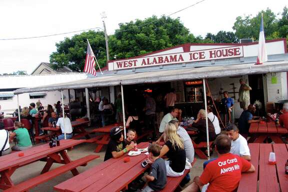 West Alabama Ice House, 1919 West Alabama.  Photo by Jordan Graber.
