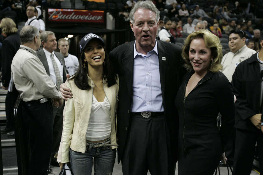 Peter Holt and his wife Julianna (center and right) join a long list of high-profile San Antonio divorces that includes Eva Longoria (left), several Spurs and a member of the Dixie Chicks. Photo: Jerry Lara / San Antonio Express-News / SAN ANTONIO EXPRESS-NEWS