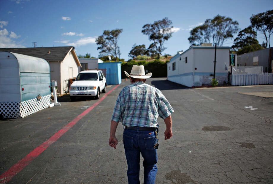 David Jeffery walks up the row of trailers at East N Street Trailer Park in Benicia, California, on Wednesday, July 22, 2015. Photo: Brandon Chew / Photos By Brandon Chew / The Chronicle / ONLINE_YES