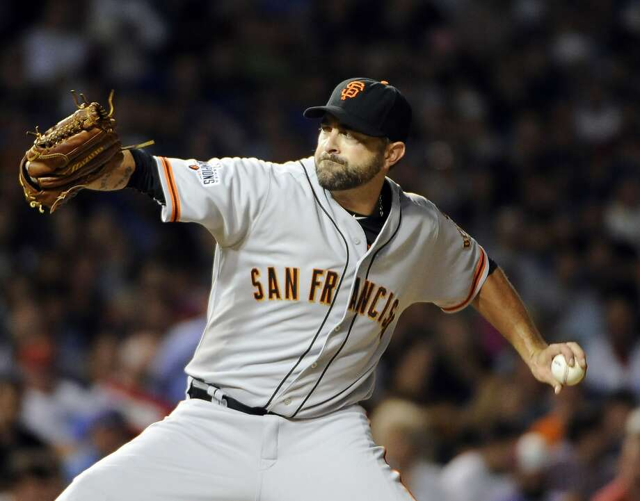 San Francisco Giants relief pitcher Jeremy Affeldt (41) throws against the Chicago Cubs during the fifth inning of a baseball game, Thursday, Aug. 6, 2015, in Chicago.  Photo: David Banks, Associated Press