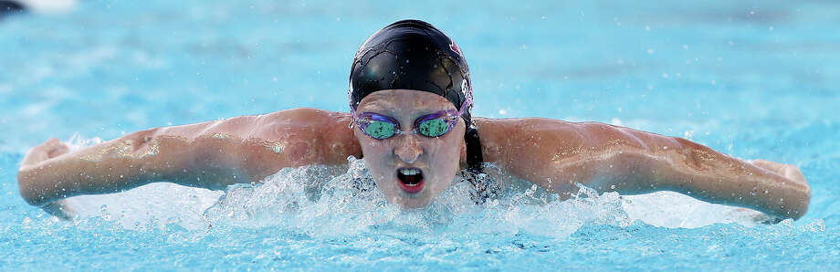 Sarah Gibson competes in the women's 100-meter butterfly during the 2015 Phillips 66 National Championships held Thursday Aug. 6, 2015 at the Northside Swim Center. Gibson finished fifth in the consolation final with a time of 59.72. Photo: Edward A. Ornelas, Staff / San Antonio Express-News / © 2015 San Antonio Express-News