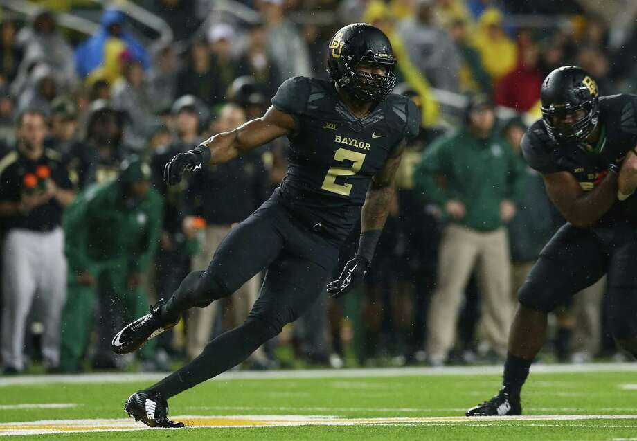 Shawn Oakman, the preseason Big 12 Defensive Player of the Year, leads a Baylor defense returning nine starters from a year ago. Photo: Ronald Martinez / Getty Images / 2014 Getty Images