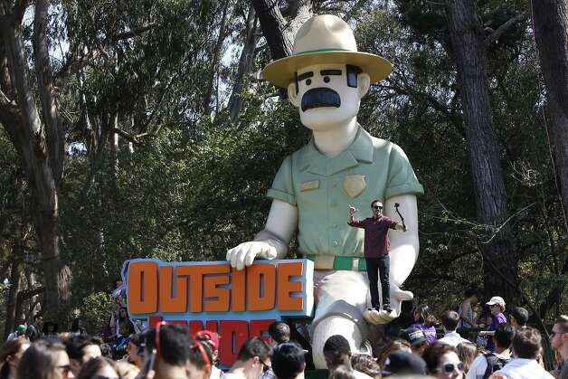 A guy climbs up to take a selfie at Outsidelands in San Francisco, California, on Saturday, May 30, 2015. Photo: Brandon Chew, The Chronicle