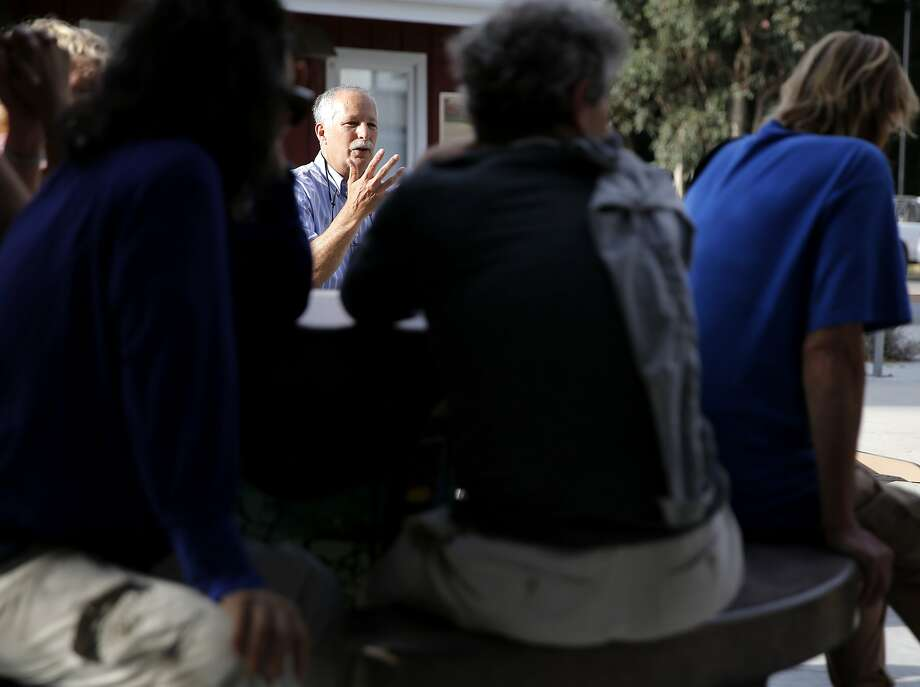 Santa Cruz mayor Don Lane speaks to a crowd of Tannery residents in Santa Cruz, California, on Wednesday, Aug. 5, 2015. Photo: Connor Radnovich, The Chronicle