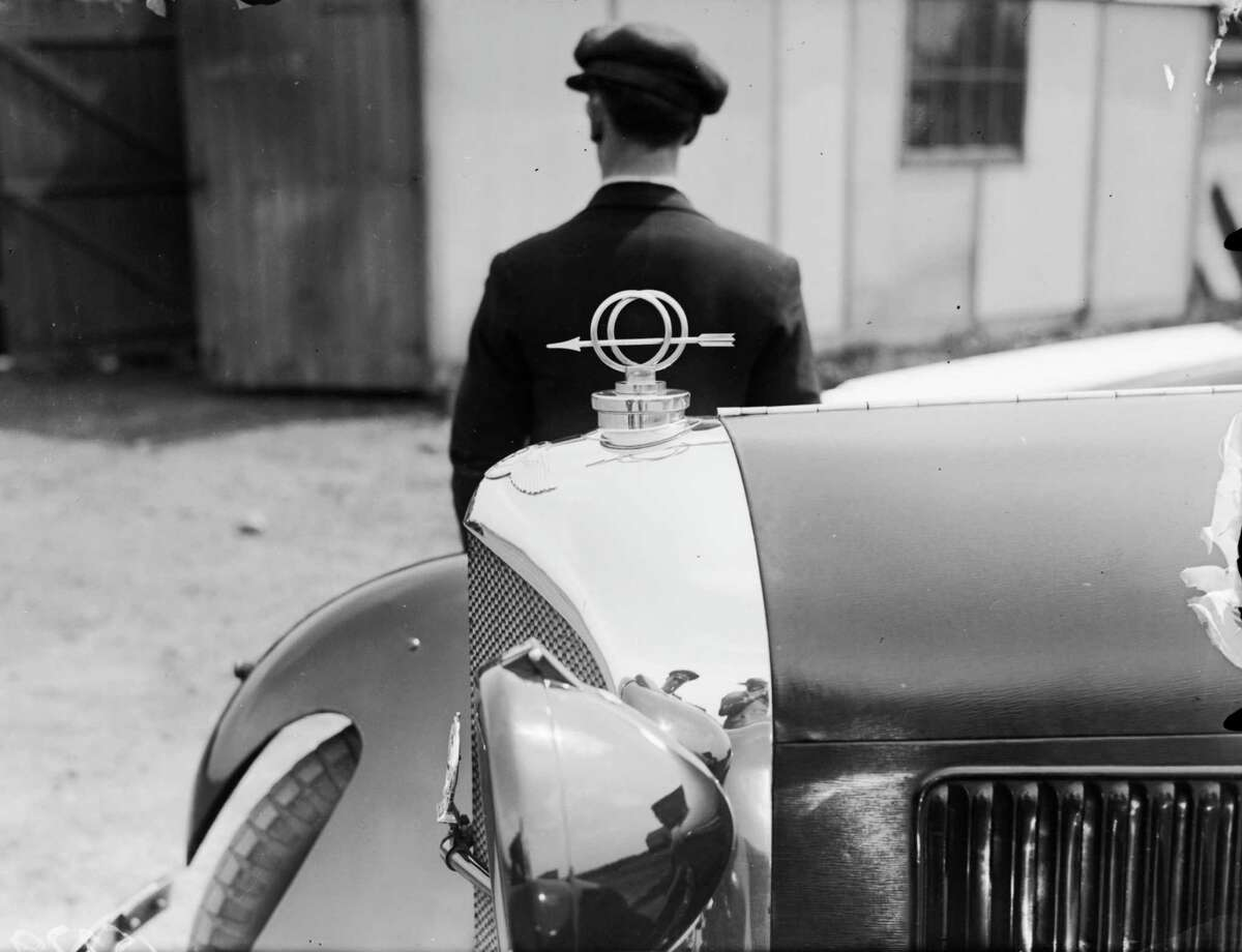 May 1929: A mascot of an arrow on the bonnet of a Bentley car.