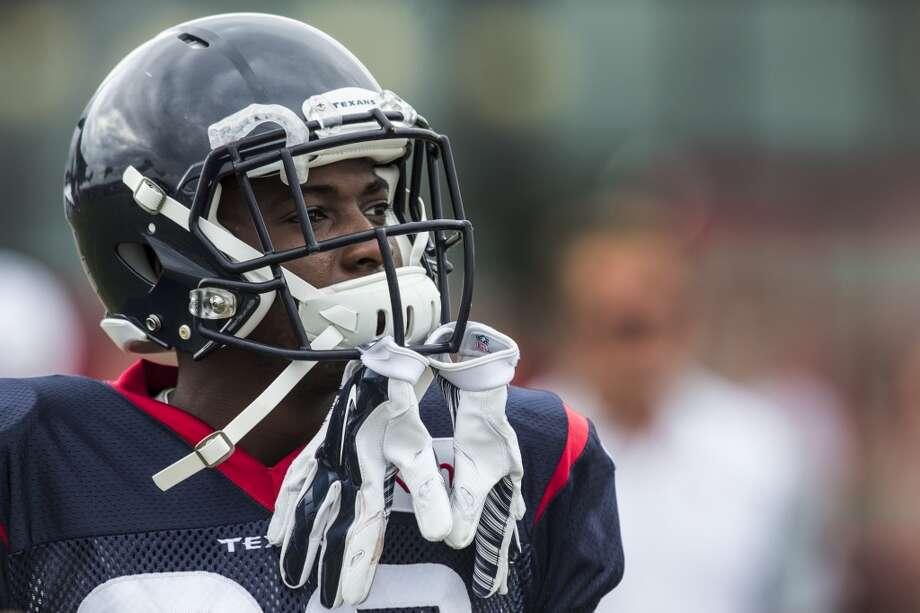Diagnosed with Hodgkin's lymphoma, Houston Texans defensive back Andre Hal is now providing a mentoring presence to his friends and teammates, including rookie safety Justin Reid. ( Brett Coomer / Houston Chronicle ) Photo: Houston Chronicle
