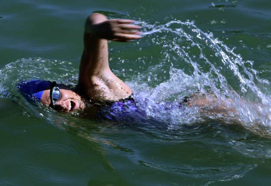 Endurance swimmer cancels record swim attempt due to winds